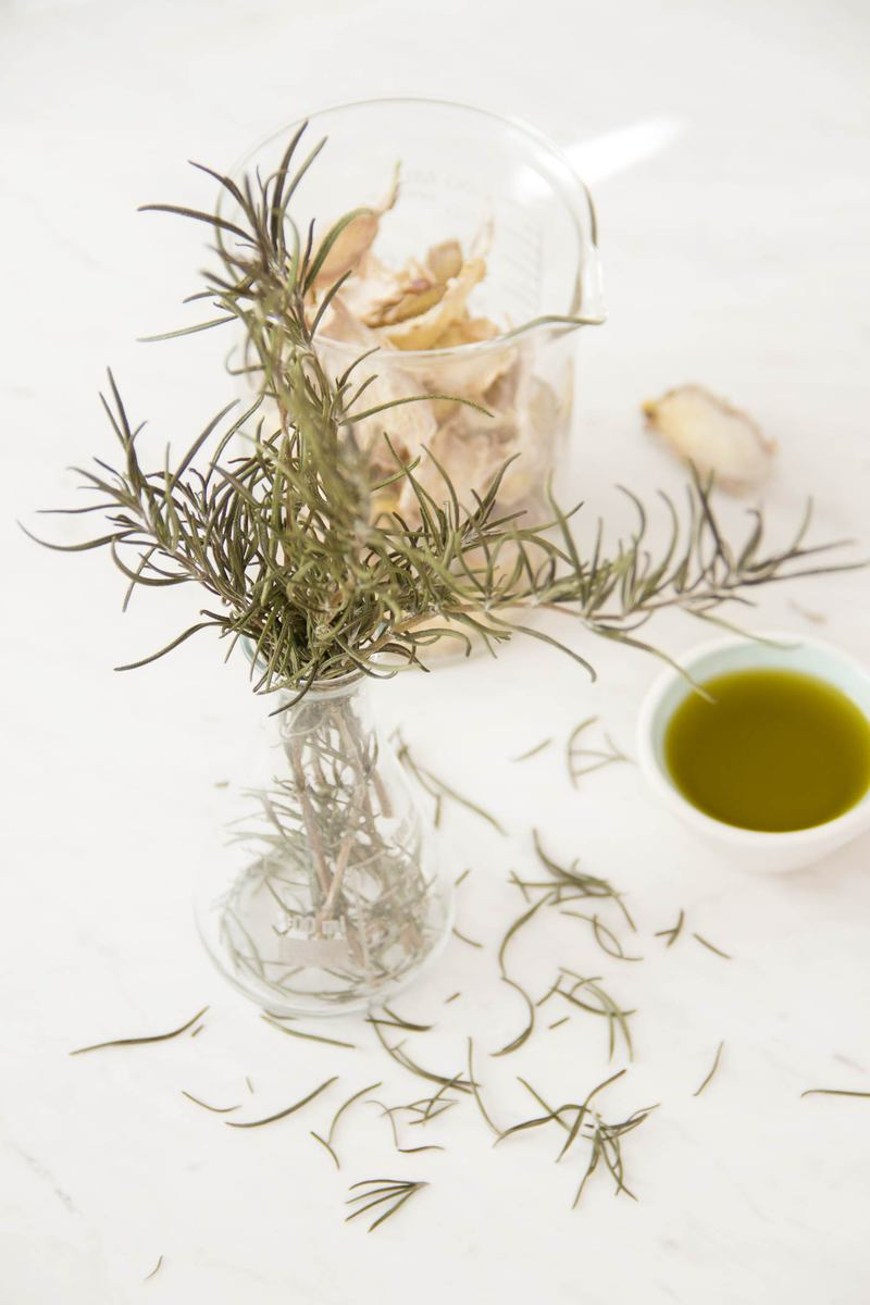 Rosemary-and-Ginger-Oil-25