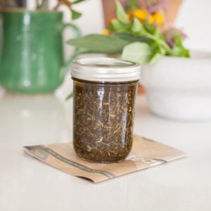 How to make comfrey infused oil #comfrey #comfreyoil #comfreyinfusion #AscensionKitchen