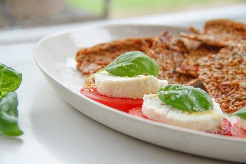 Raw Sun Dried Tomato Crackers with 'Mozzarella' - Vegan