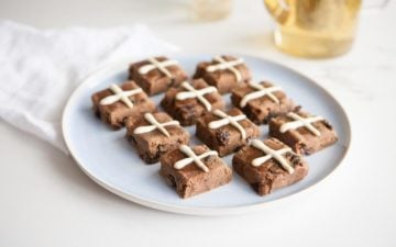 Raw Hot Cross Buns