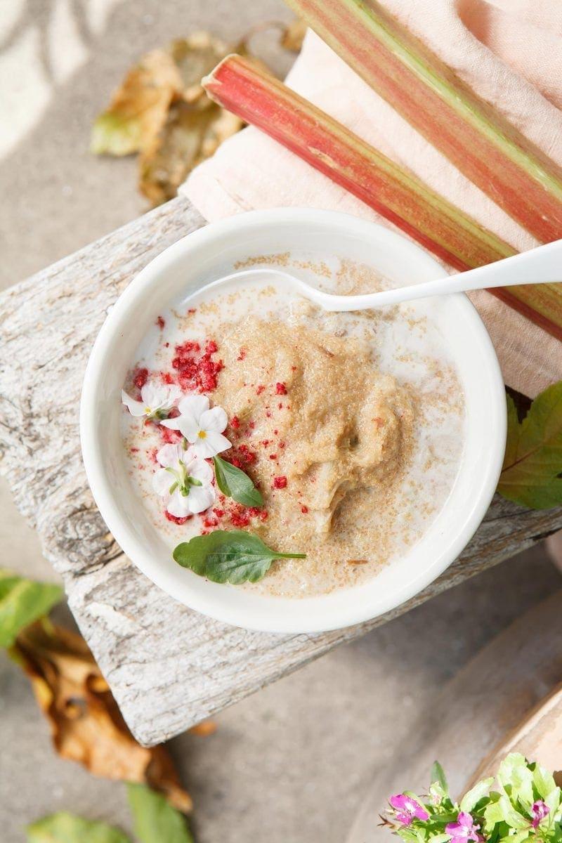 Rhubarb Apple Amaranth Porridge